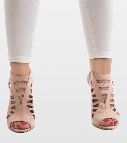 Białe sneakersy Winnie