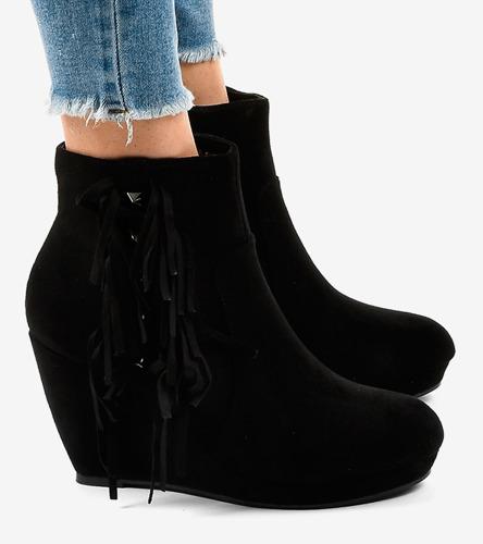 Białe sneakersy damskie Xyla